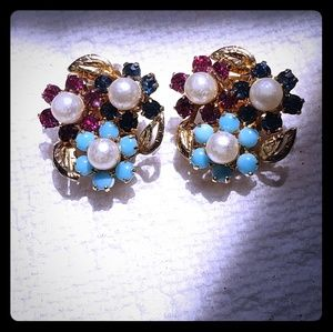 Vintage WEISS clip-on Gold Tone Earrings